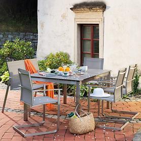 Edelstahl-Gartenmöbel mit Textilenbezug