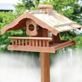 vogelhaus-birdy-strohdach