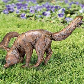 skulptur-fuchs-schnuffelnd-