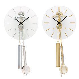Pendeluhr mit Glockenschlag