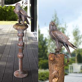 Skulpturen Falke