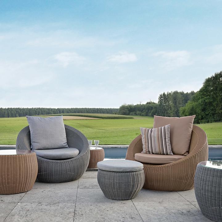 Geflecht-Lounge-Sessel und Hocke, rundes Design