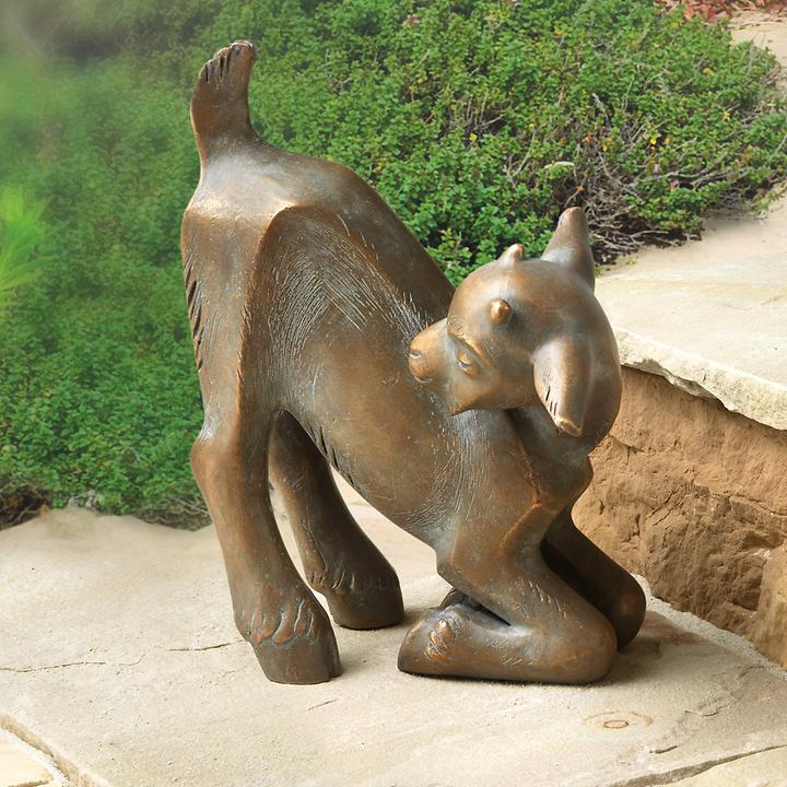 Skulptur Kniendes Zicklein