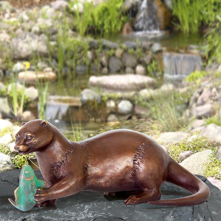 Skulptur Fischotter mit Fisch