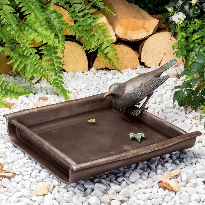 Skulptur Vogeltränke mit Amsel