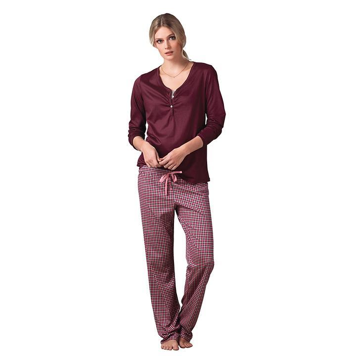 Softer Pyjama aus 100% Baum- wolle in Interlock-Qualität