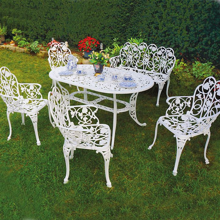 Set: 4 Sessel mit ovalem Tisch 5-teilig