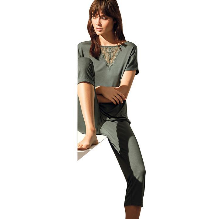 Seidigzarter Pyjama aus softem Micromodal