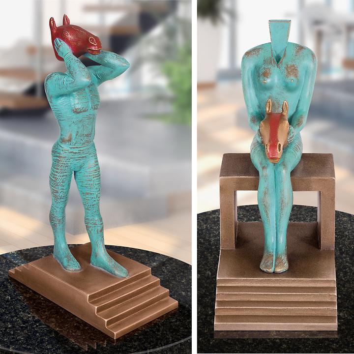 Skulpturen Joker und Herzdame von Güther Stimpfl
